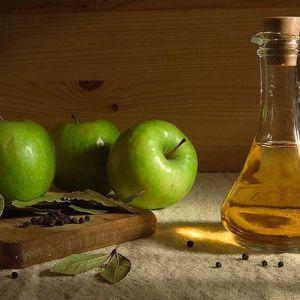 10 Причин, чому вам потрібно пити яблучний оцет щоранку