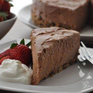 Дієтичний шоколадний чізкейк без випічки - справжній порятунок для стежать за фігурою!