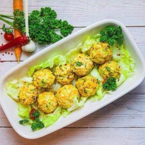 Дієтичний вечерю для струнких: курячі кульки з овочами