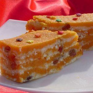 Дієтичний сніданок: гарбуз, запечена з сиром та родзинками!