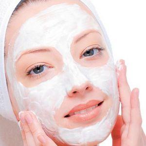 Домашні скраби для обличчя: як зробити очищающий і відновлювальний пілінг?