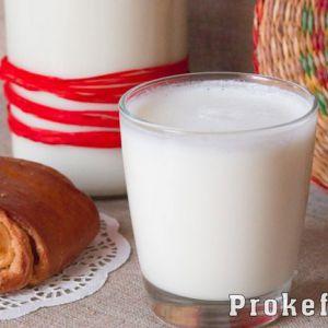 Домашній кефір в мультиварці з молока