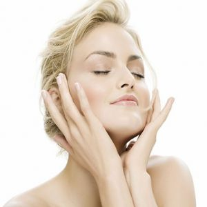 Щоденний догляд за шкірою обличчя: основні правила та рекомендації косметологів