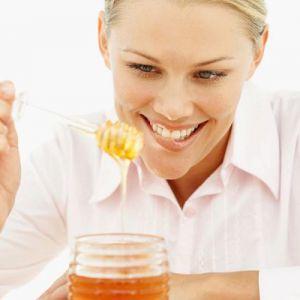 Худнемо, очищаємо кишечник з солодкою медової водичкою!