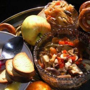Як повинні православні люди харчуватися в будні, свята і пости?