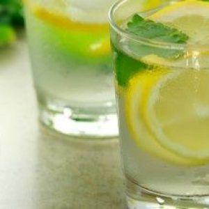 Як готувати і пити воду з лимоном, щоб схуднути?