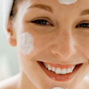 Як доглядати за комбінованою шкірою обличчя: косметологічні засоби і основні етапи