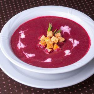 Легкий і низькокалорійний буряковий суп