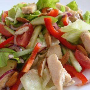 Легкий вітамінний салат з куркою. Худнемо смачно!