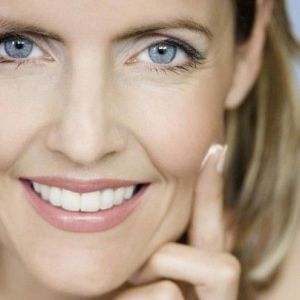Маска для пружності особи - ефективний засіб для омолодження шкіри