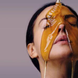 Мед для обличчя: користь медових масок