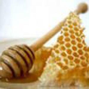 Медові обгортання позбавлять від целюліту і зайвих сантиметрів на талії