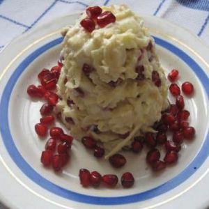 Незвичайний дієтичний луково-яблучний салат з йогуртом