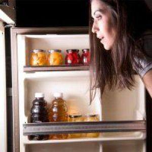 Нічні перекушування призводять до набору ваги