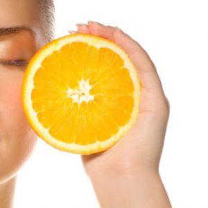 Користь і застосування вітаміну с для шкіри обличчя