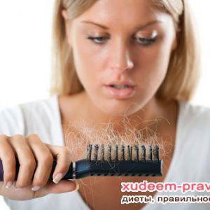 Проблема випадання волосся: її причини і лікування