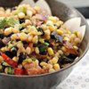 Салат з чорної квасолі і ячменю