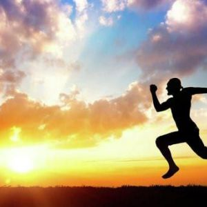 Скільки калорій витрачається при бігу і присідання