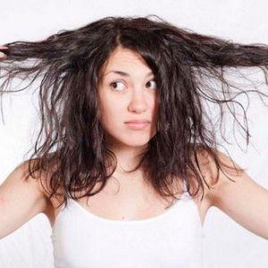 Догляд за жирним волоссям в домашніх умовах