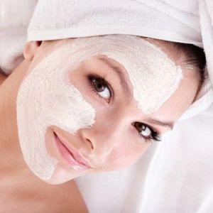 Заспокійлива маска для обличчя від почервоніння: ефективні рецепти