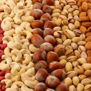 Вітаміни та мінерали в горіхах