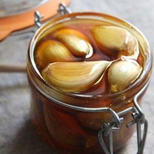 Ось що відбувається з вашим організмом, якщо ви їсте часник і мед на порожній шлунок протягом 7 днів!